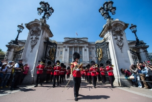 06-GG-BuckinghamPalace-image8 copy_preview